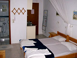 Pension Mistral - Room and bathroom